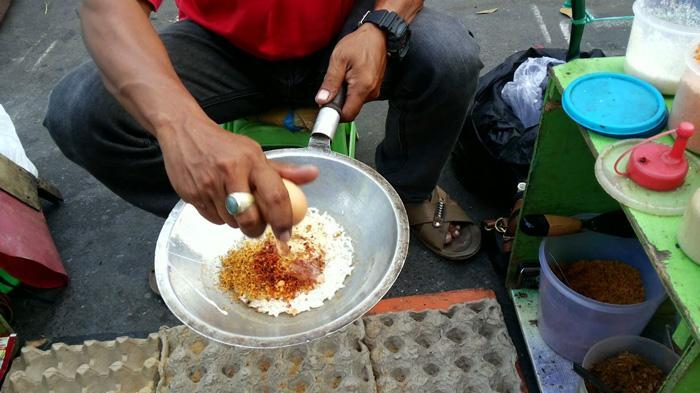 Asal Mula Kerak Telor Makanan Khas Jakarta