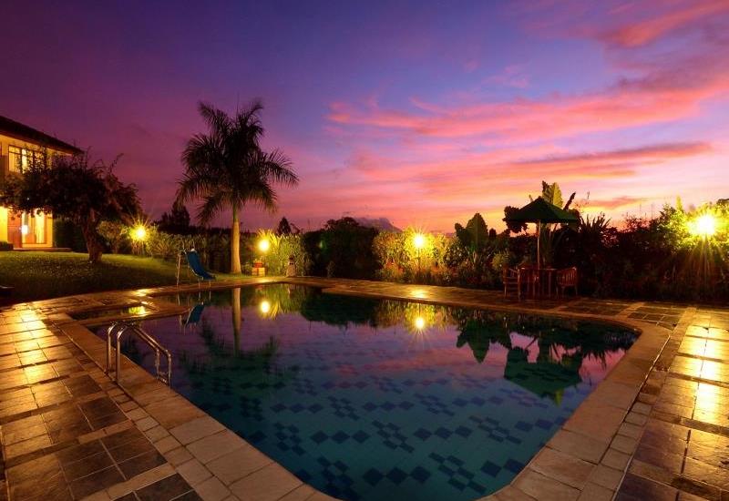 8 hotel nyaman dekat taman safari bogor mulai rp 200 ribuan rh pegipegi com