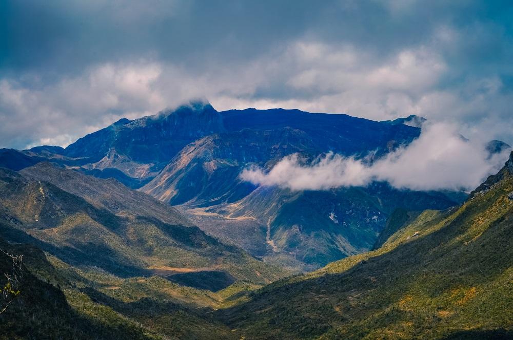 Yuk Coba Taklukan 7 Puncak Gunung Tertinggi Di Indonesia