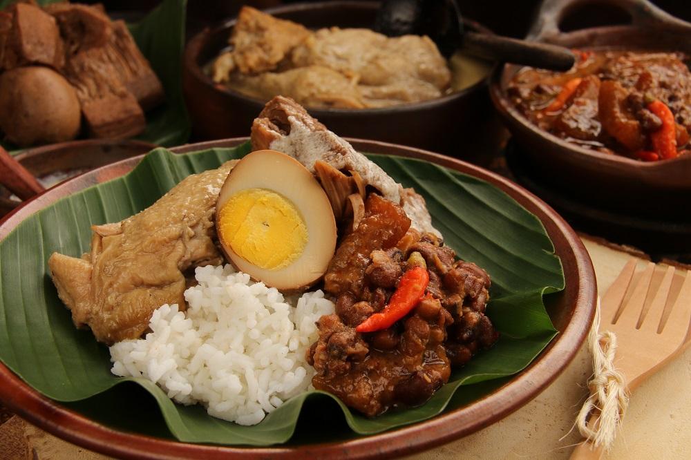 7 Kuliner Lesehan Dengan Menu Lezat Dan Murah Di Yogyakarta