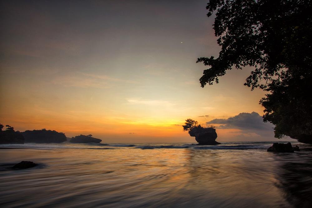 8 Pantai Cantik di Yogyakarta Buat Liburan Kamu Selanjutnya