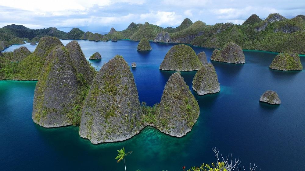 Hasil gambar untuk Kepulauan Wayag