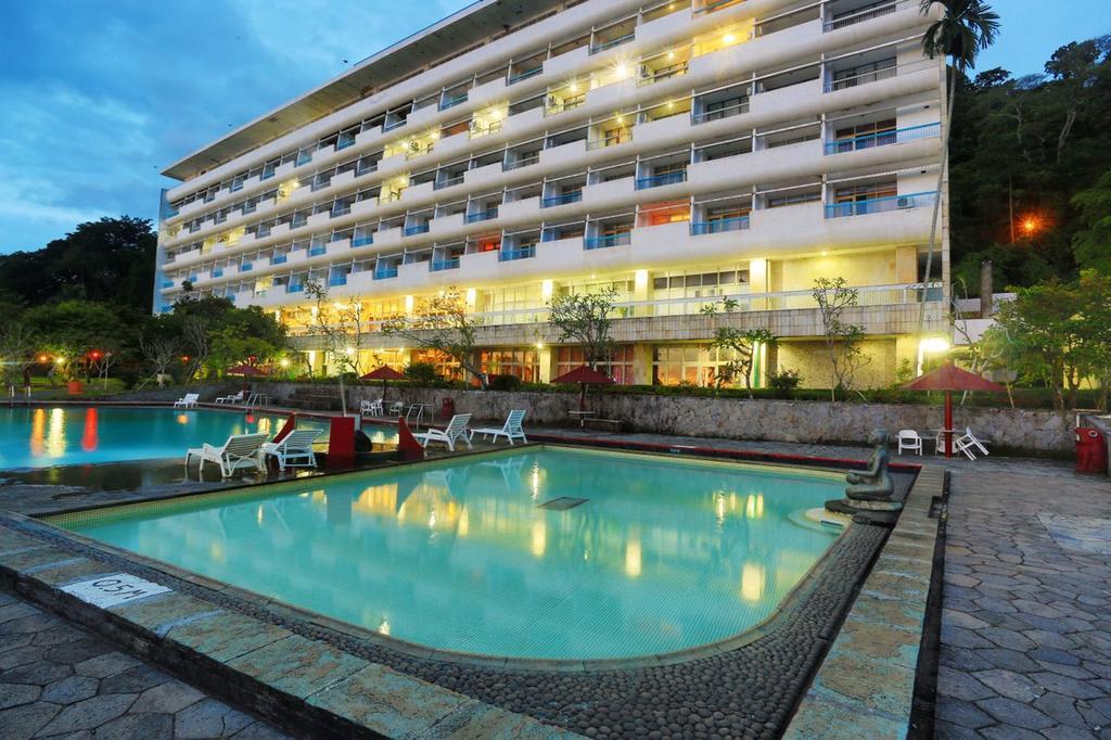6 hotel strategis di sukabumi buat liburan seru mulai rp 200 ribuan rh pegipegi com