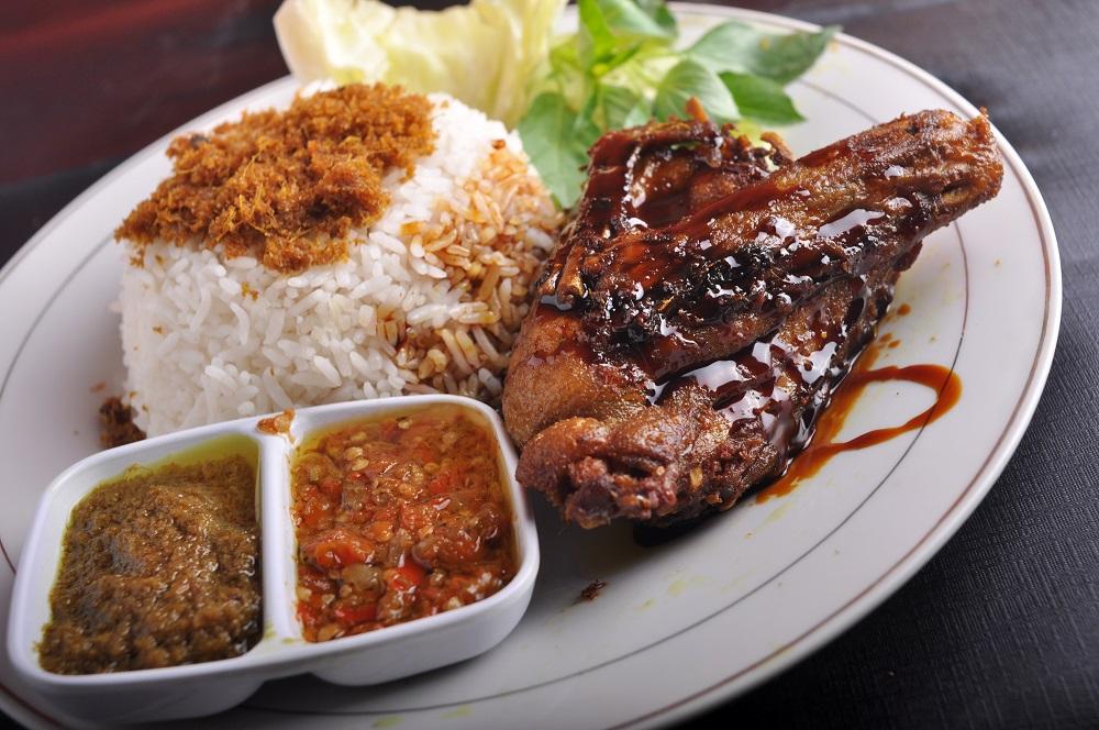 5 Kedai Ayam Goreng Renyah Dan Lezat Di Bogor