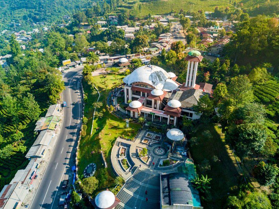 Masjid Atta Awun Ikon Wisata Religi Yang Sejuk Di Puncak Bogor