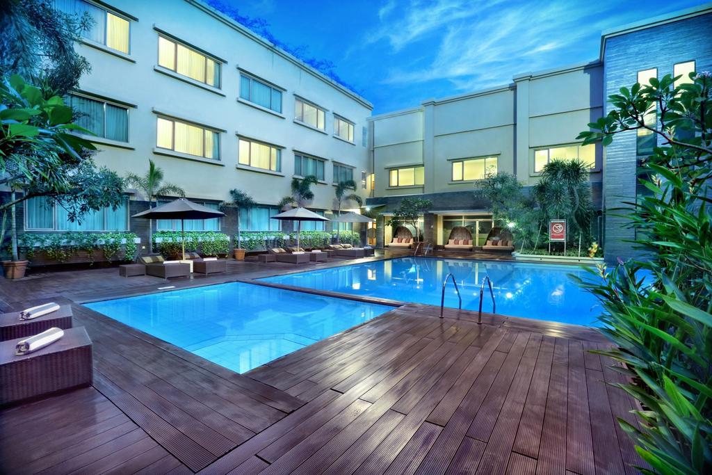 5 hotel keluarga di cihampelas bandung dengan kolam renang mulai rh pegipegi com