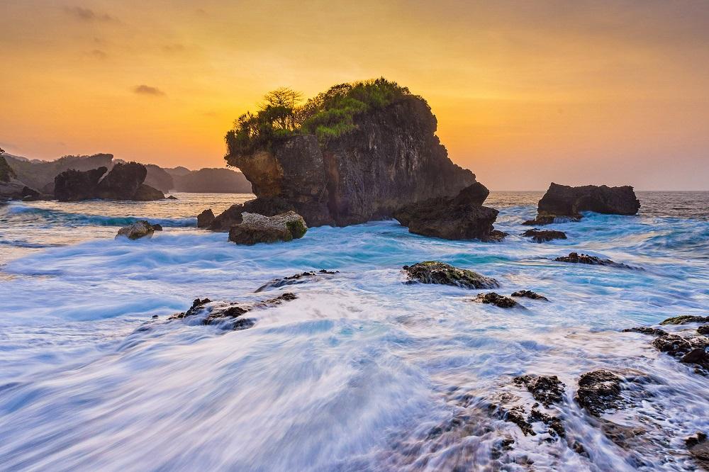 Pantai Jungwok Wisata Alam Cantik Yang Masih Sepi Di Yogyakarta