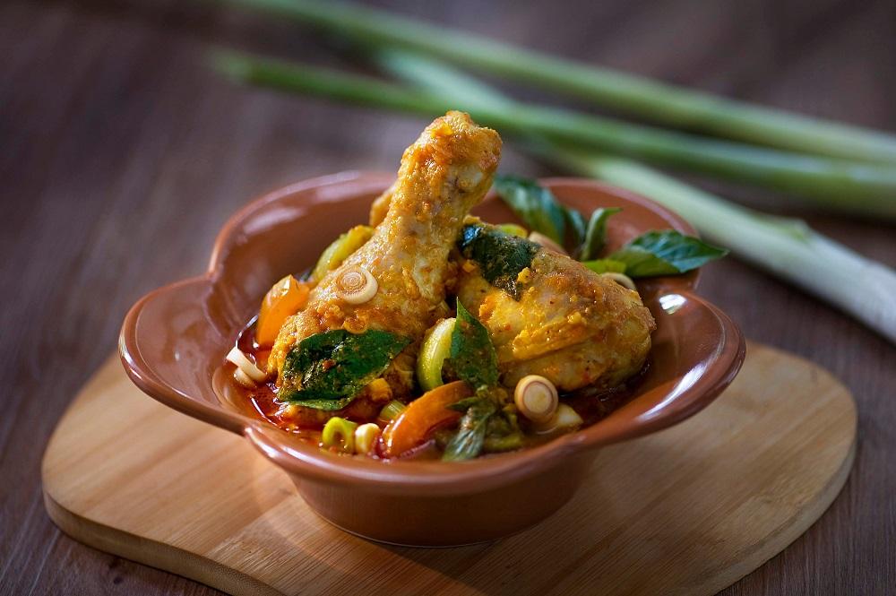 Ayam Woku Kuliner Kaya Rempah Khas Manado Yang Menggigit