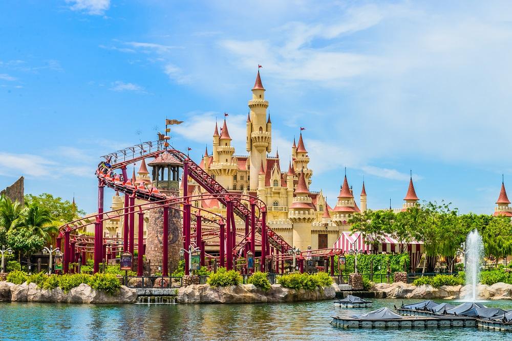 shutterstock 203804005 - Negara Yang Mempunyai wisata yang oke, Cocok untuk Liburan