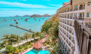 hotel dengan pemandangan keren di labuan bajo