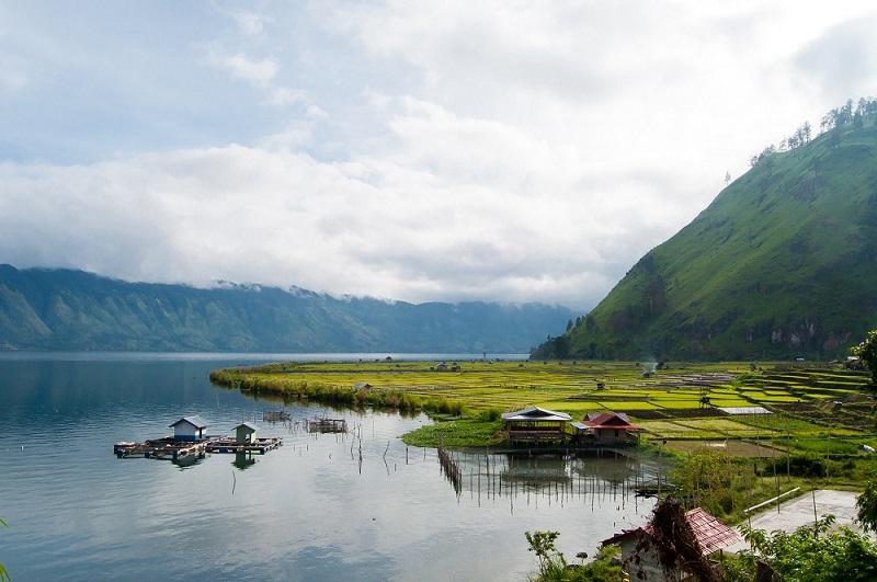 danau cantik di indonesia