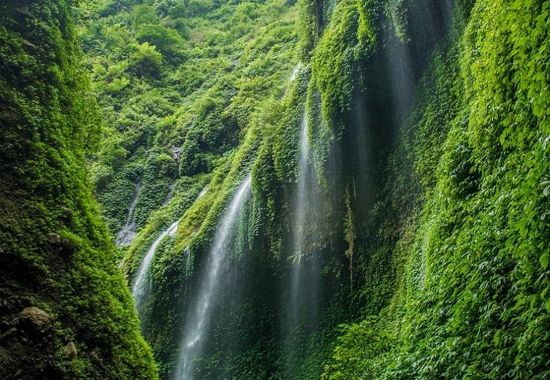 air terjun tercantik di indonesia
