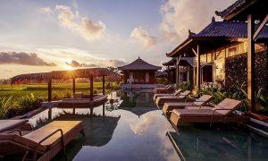 villa di bali dengan pemandangan sawah